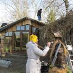 creatieve duizendpoot Marianne in actie met haar sprookjeshuis id achtergrond